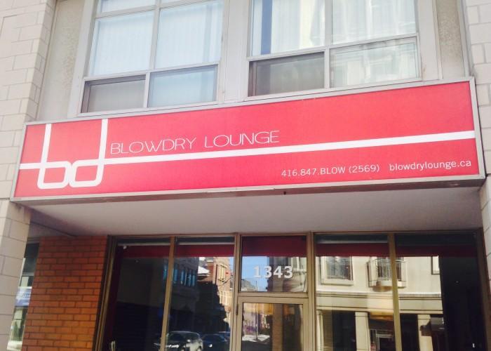 Blowdry Lounge - Photo 4