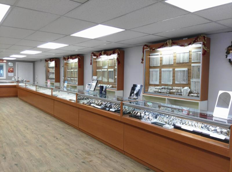Gold & Diamond Boutique - Photo 2