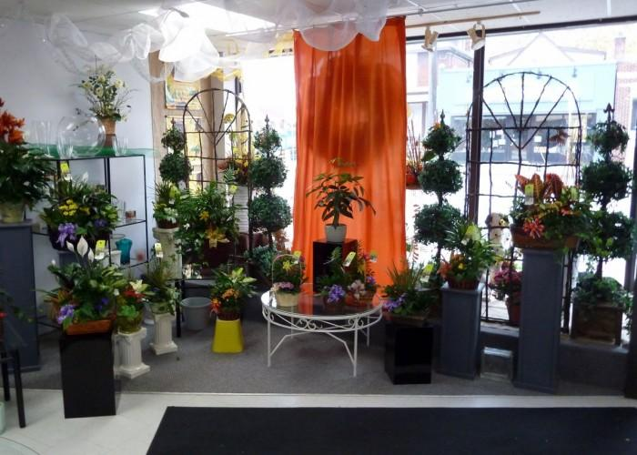 Russell's Flower Shop - Photo 3