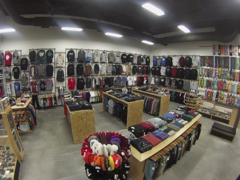 5-0 Boutique Boardshop - Photo 3