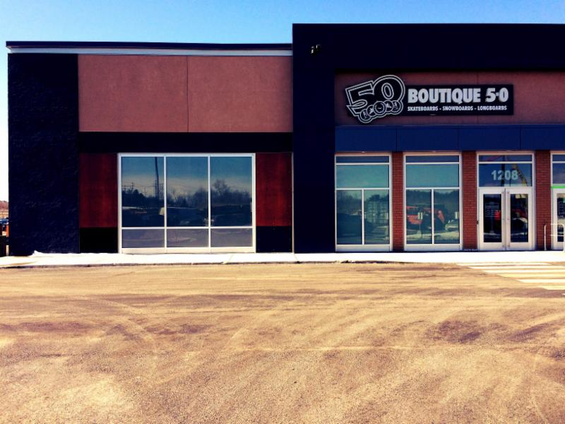 5-0 Boutique Boardshop - Photo 2