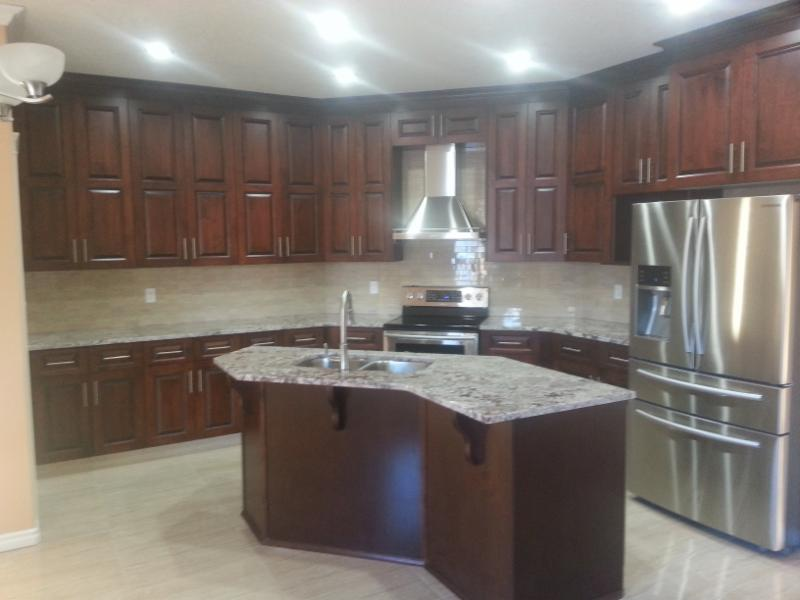 Woodwork kitchen cabinets opening hours 14507 130 for Kitchen cabinets edmonton