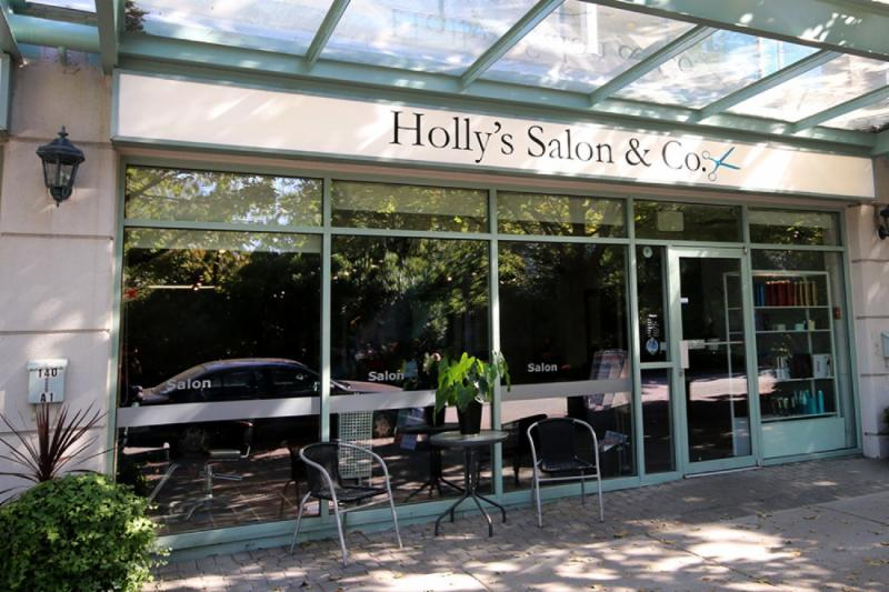 Holly's Hairdressing Salon - Photo 1