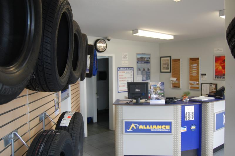 Discount Tire - Photo 3