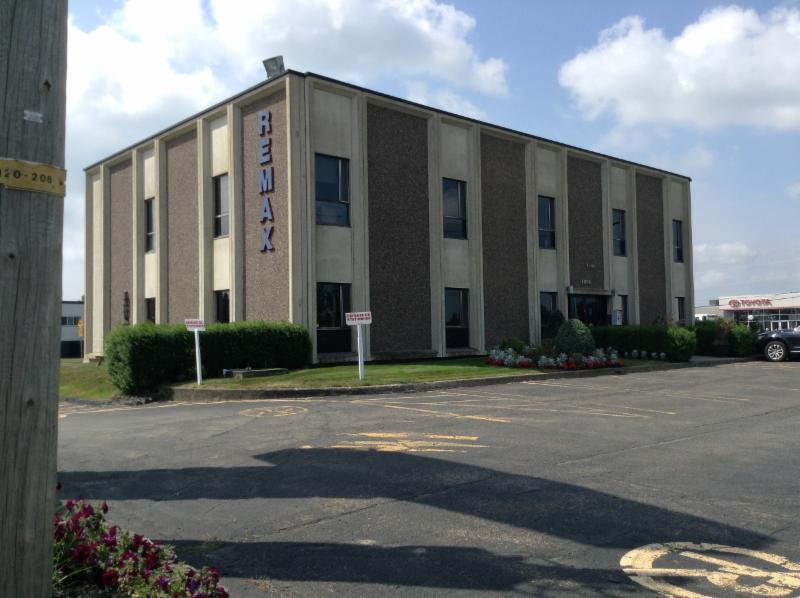 Bureau situé dans la bâtisse de Rémax au 2e étage. - Goyette Hélène Marie