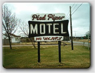 Pied Piper Motel - Photo 5
