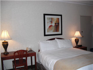 Continental Inn & Suites - Photo 4