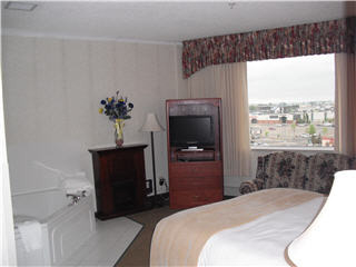 Continental Inn & Suites - Photo 5