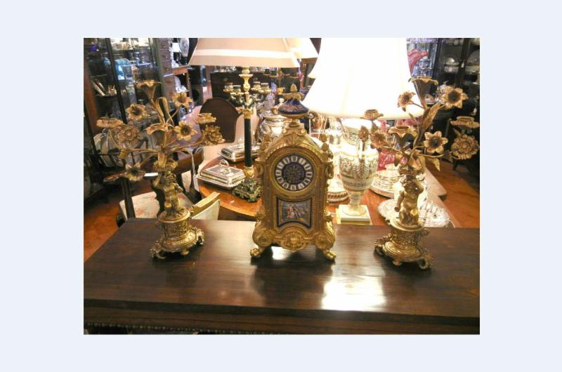 Bernardi's Antiques - Photo 10