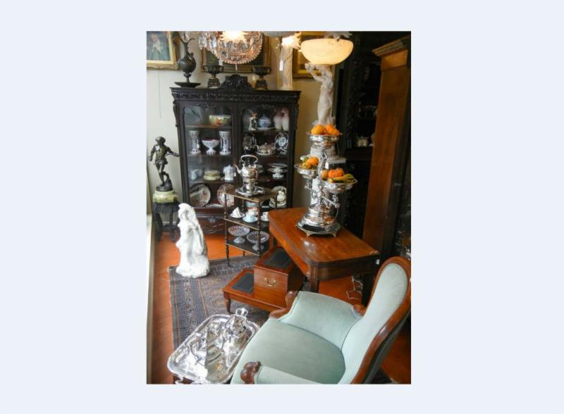 Bernardi's Antiques - Photo 9