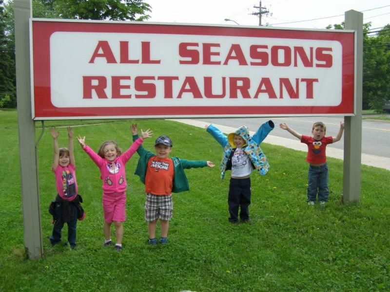 All Seasons Inn & Restaurant - Photo 6