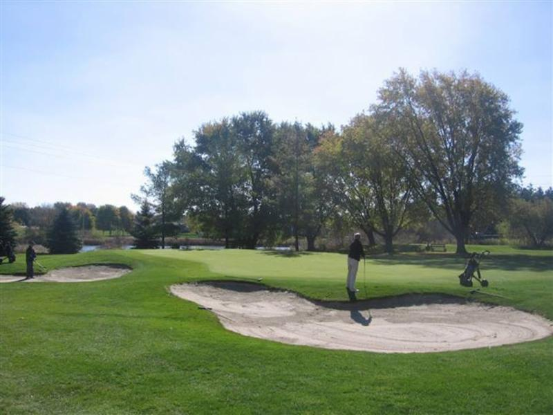 Mitchell Golf & Country Club Inc - Photo 3