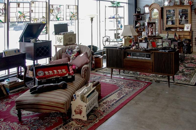 Inside Avenue Antiques - Photo 1