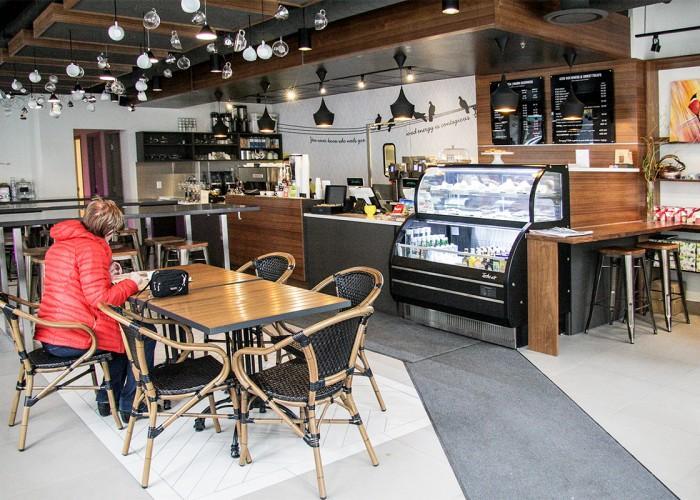 Cafe Blanca - Photo 2