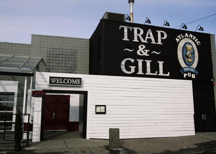 Atlantic Trap & Gill Pub - Photo 4
