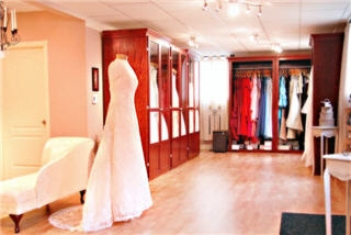 Bella Promessa Bridal Boutique Inc - Photo 2