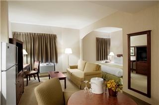 Ramada Hotel - Photo 5