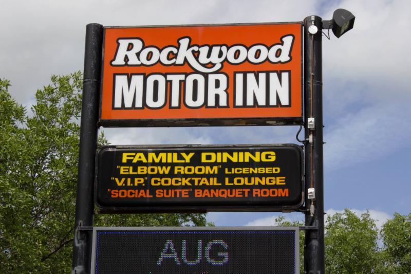 Rockwood Hotel - Photo 10