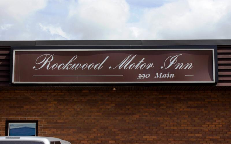 Rockwood Hotel - Photo 11