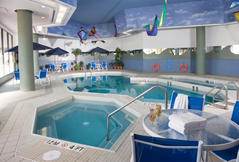 Holiday Inn Winnipeg-South - Photo 6