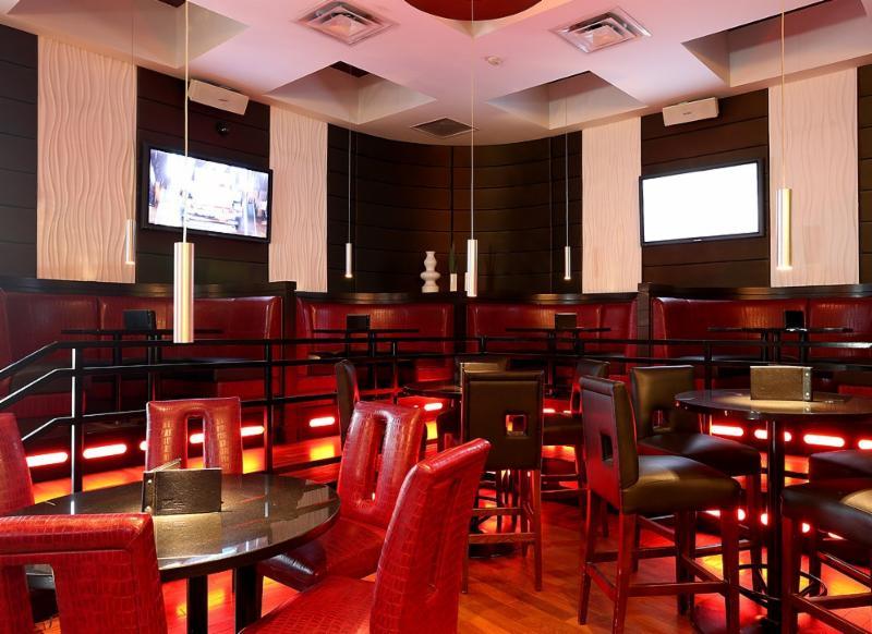 Moxie's Grill & Bar - Photo 3