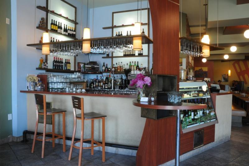 Canelli's Eatery - Photo 3