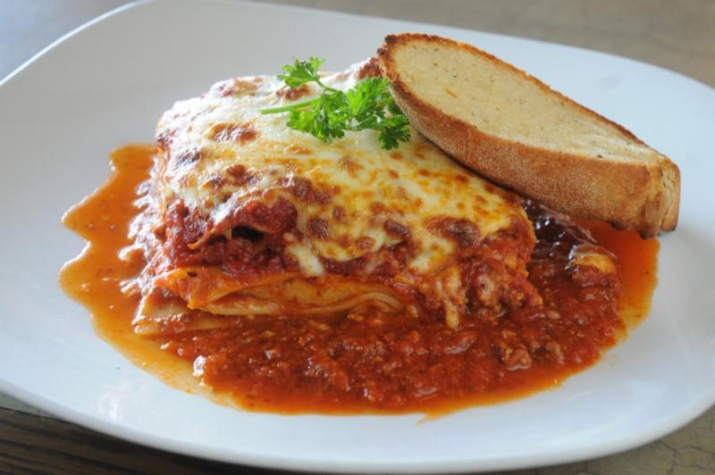 Canelli's Eatery - Photo 8