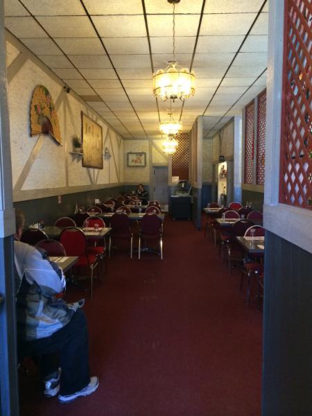Tidbit Restaurant - Photo 6