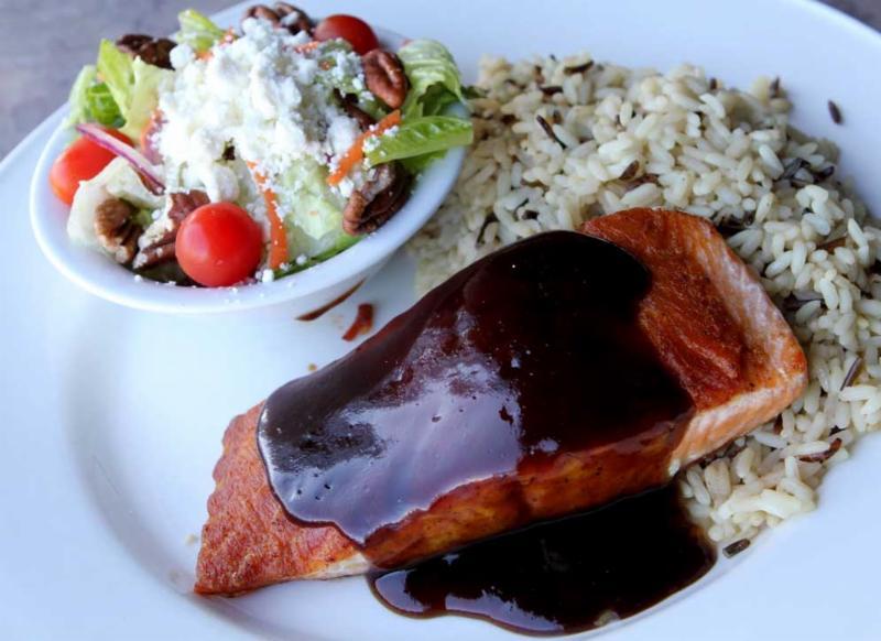 Scotty's Restaurant - Photo 1