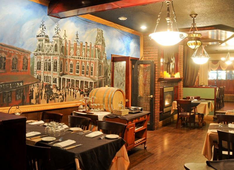 Towne And Country Steakhouse - Photo 9