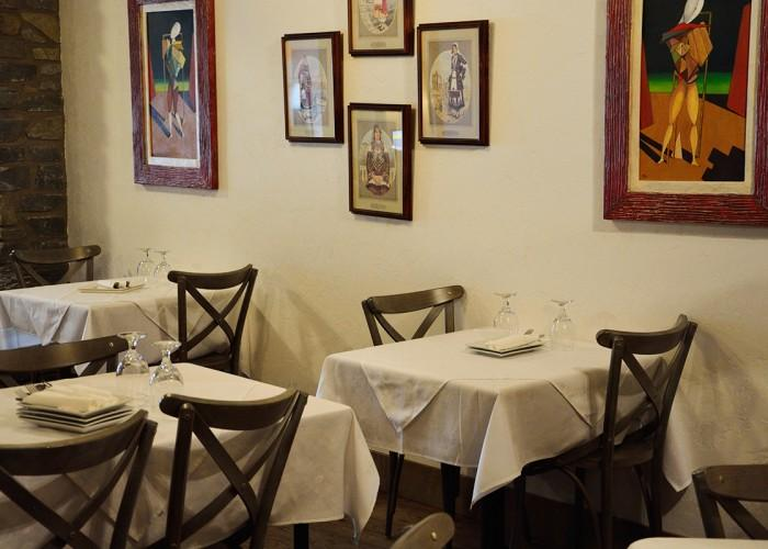 Yiannis Taverna Greek Restaurant - Photo 3