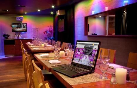 Versa Restaurant Bar - Photo 6