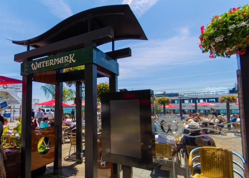 The Watermark Irish Pub & Restaurant Ltd - Photo 3