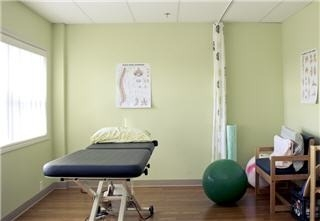 Avalon Laser Health Physiotherapy & Wellness - Photo 10