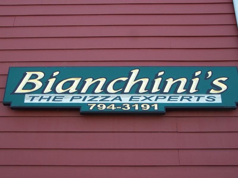 Bianchini's Pizzeria - Photo 1
