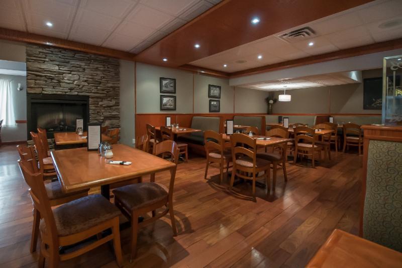 The Village Restaurant - Photo 45