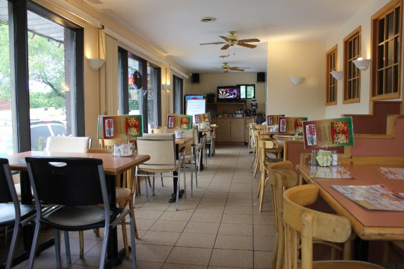 Lorenzos's Restaurant Pizzeria - Photo 3