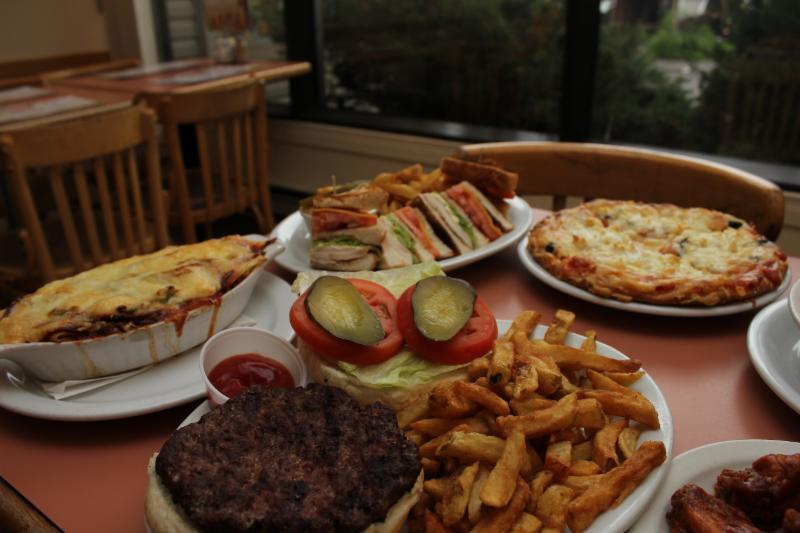 Lorenzos's Restaurant Pizzeria - Photo 8