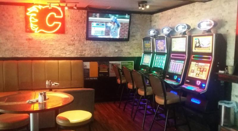 Koko's Restaurant & Sports Lounge - Photo 1