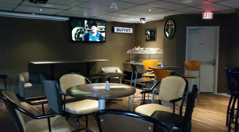 Koko's Restaurant & Sports Lounge - Photo 2