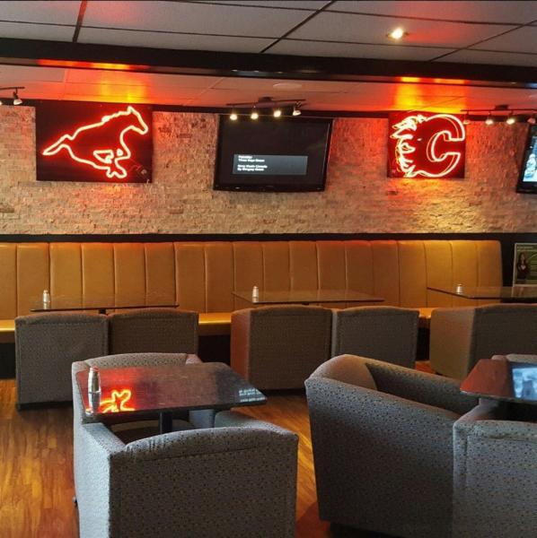 Koko's Restaurant & Sports Lounge - Photo 7
