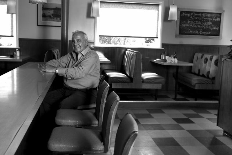 Armview Restaurant & Lounge - Photo 2