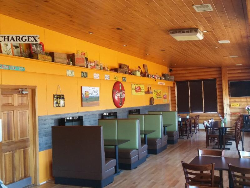 All Seasons Inn & Restaurant - Photo 7