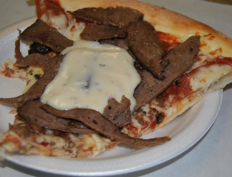 Louis Gee's Pizza & Donairs - Photo 3
