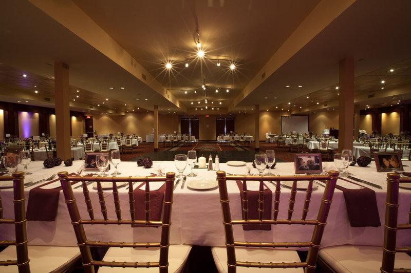 Radisson Hotel & Convention Centre Edmonton - Photo 6
