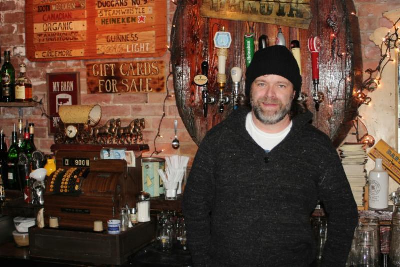 The Dakota Tavern - Photo 1