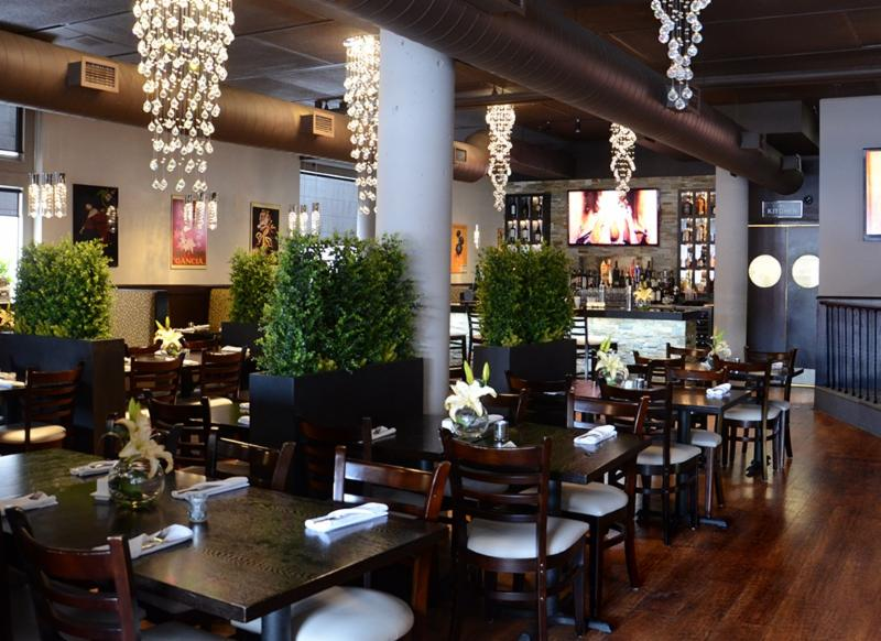 Leyle's Resturant Lounge - Photo 3