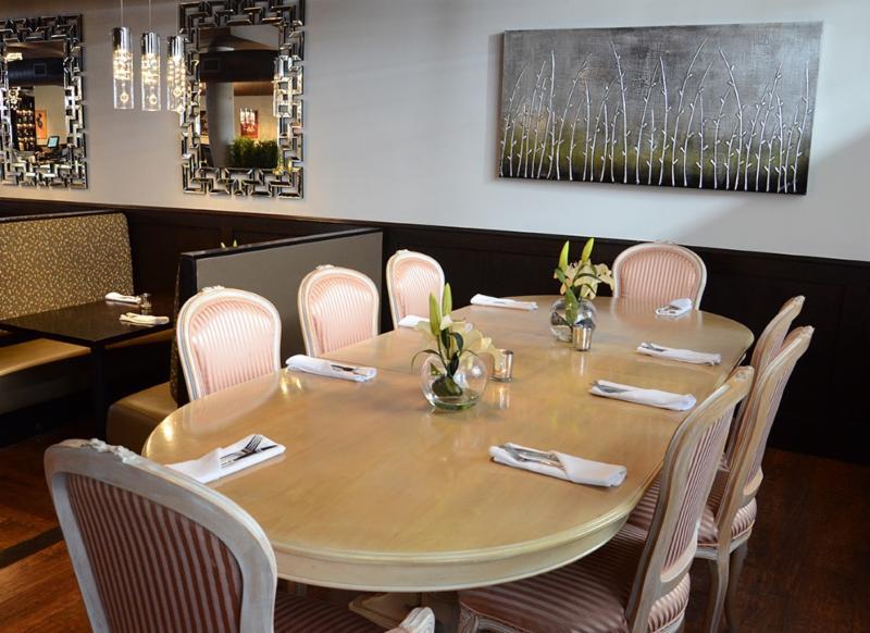 Leyle's Resturant Lounge - Photo 4
