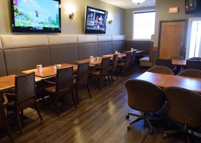Tops Pizza & Sports Bar - Photo 3
