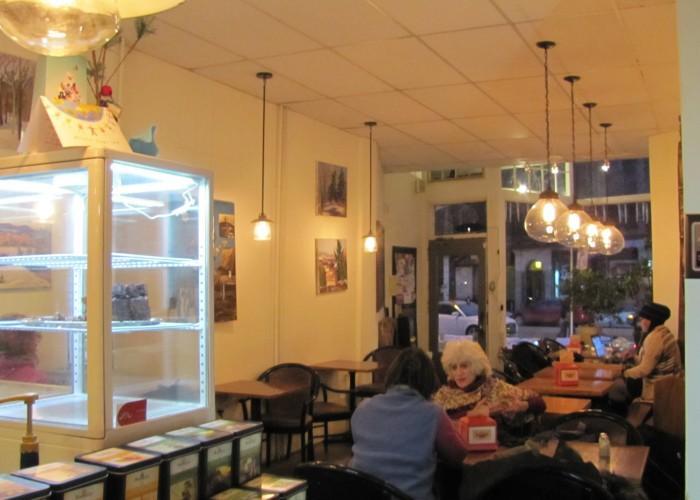 Kokkino Cafe - Photo 2